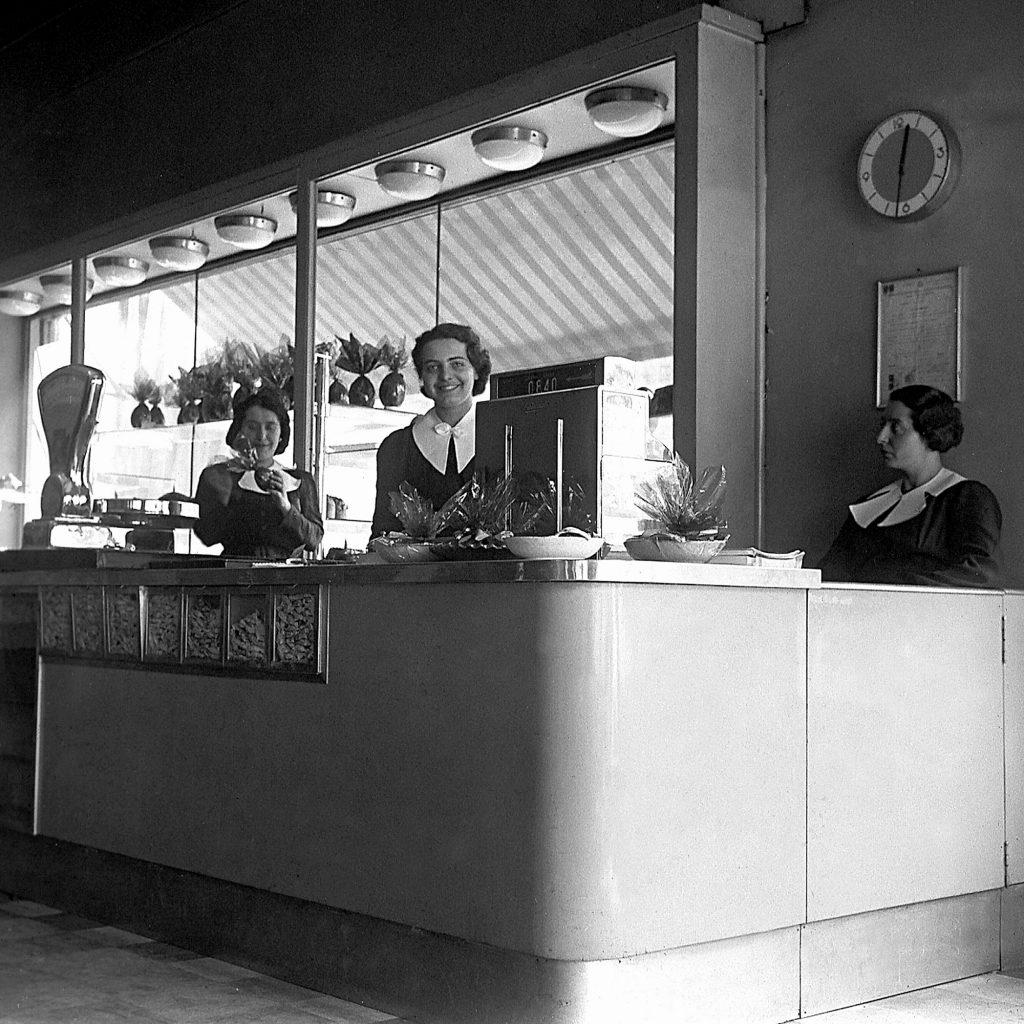 Negozio Panarello Milano 1930